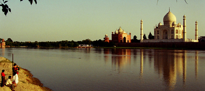 Delhi to Agra Car Rental Services - Best Deal