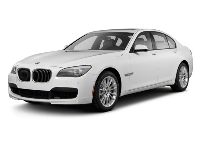 7 Series on rent in delhi